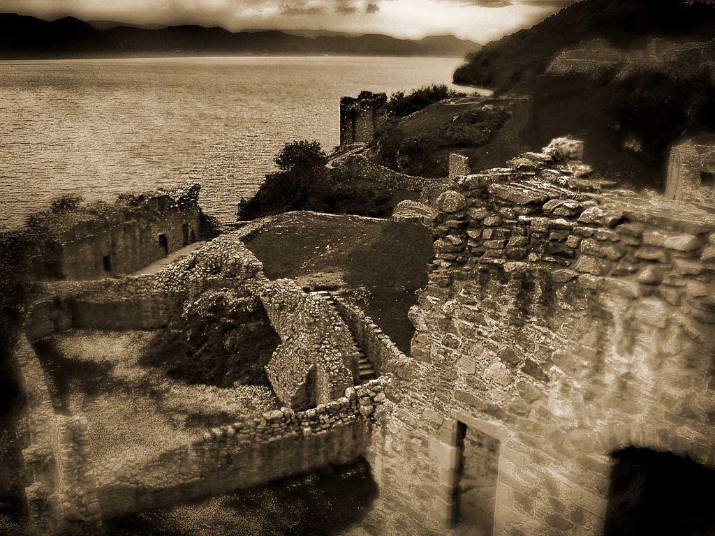 cds30019_Urquhart_Castle_Loch_Ness
