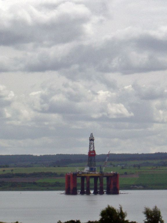 Bohrinsel im Cromarty Firth bei Inverness