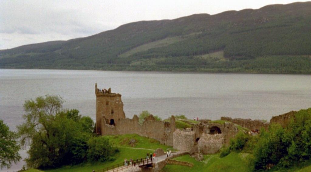 Urquhart Castle Loch Ness