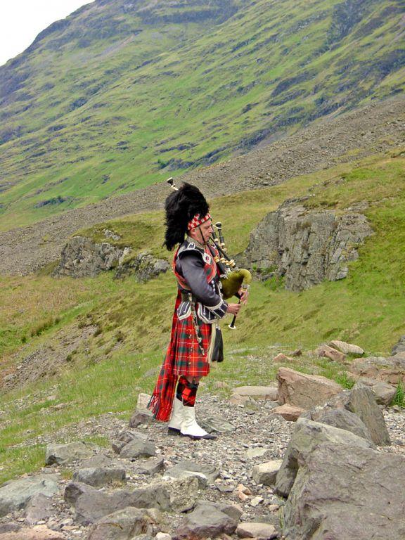 Piper im Glen Coe