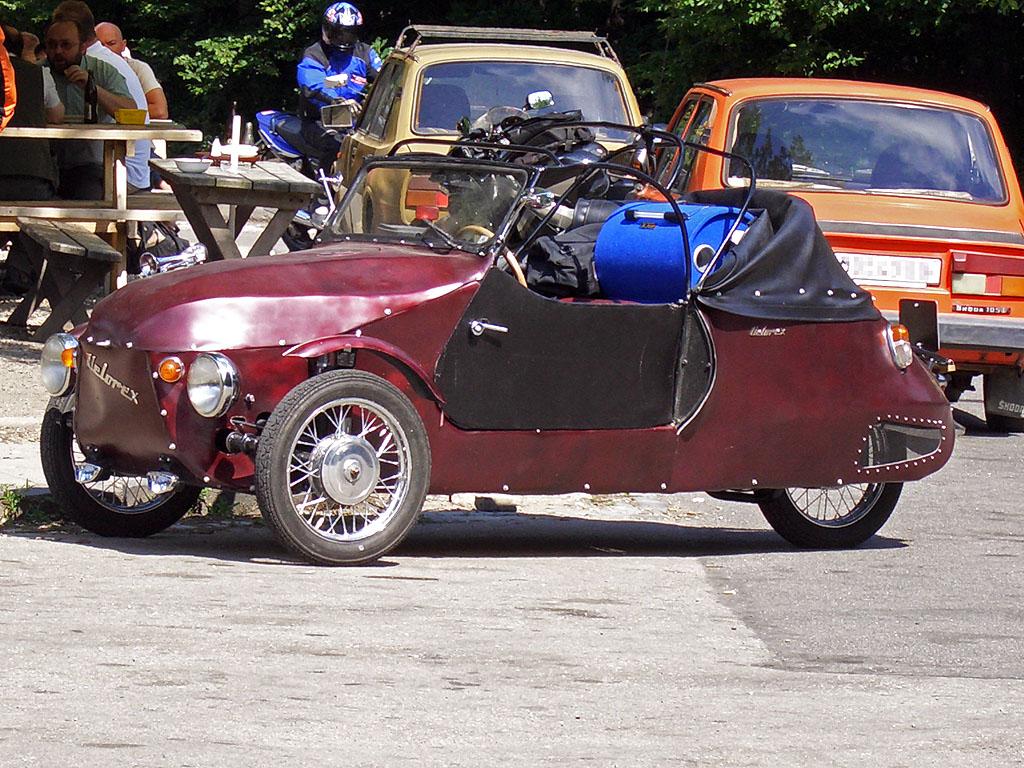 Velorex Dreirad - auf einem Bikertreff Parkplatz